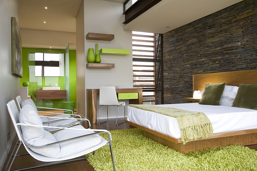 Using green accents in the bedroom in a stylish fashion