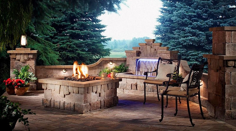 A simple and small water feature for the contemporary patio