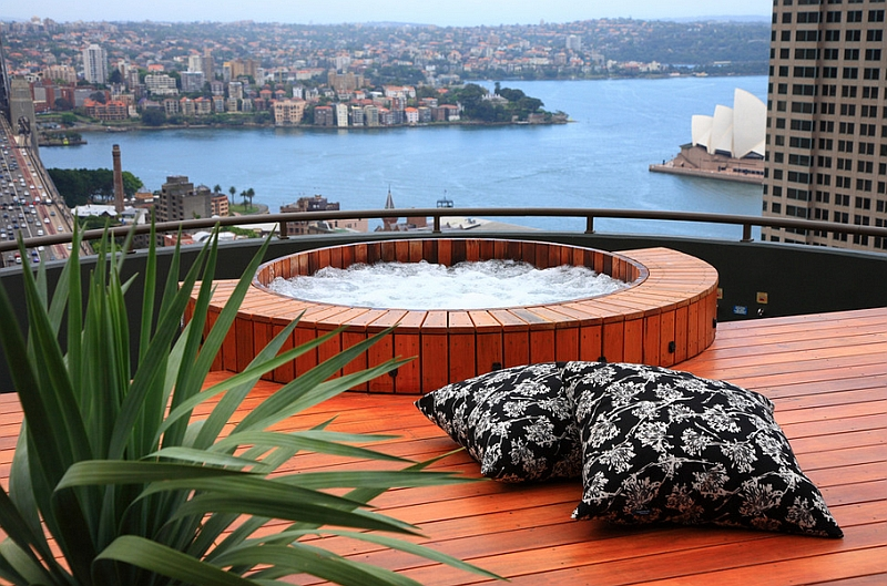 City penthouse with a rooftop hot tub that promises stunning views