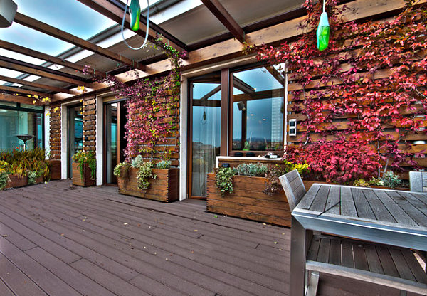 Unusual accents on a shaded patio