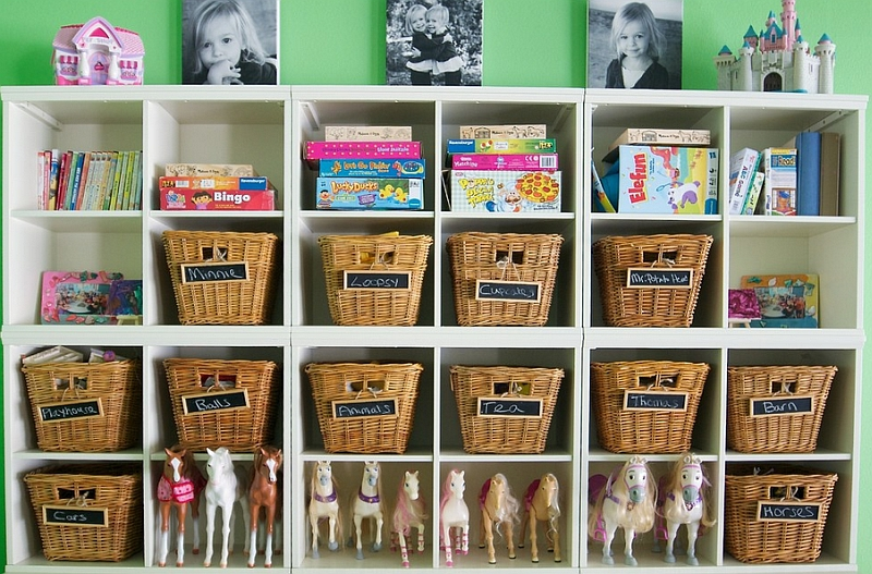 Smart toy storage idea in the kids' bedroom that serves them for years to come