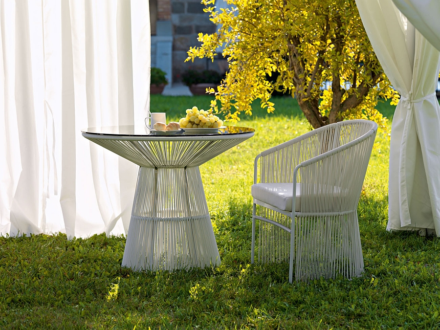 Tibidabo Outdoor Arcmchair and table for the patio