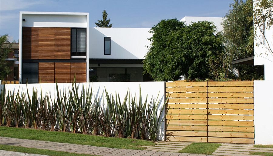 Wooden slats and natural canopy offer ample privacy