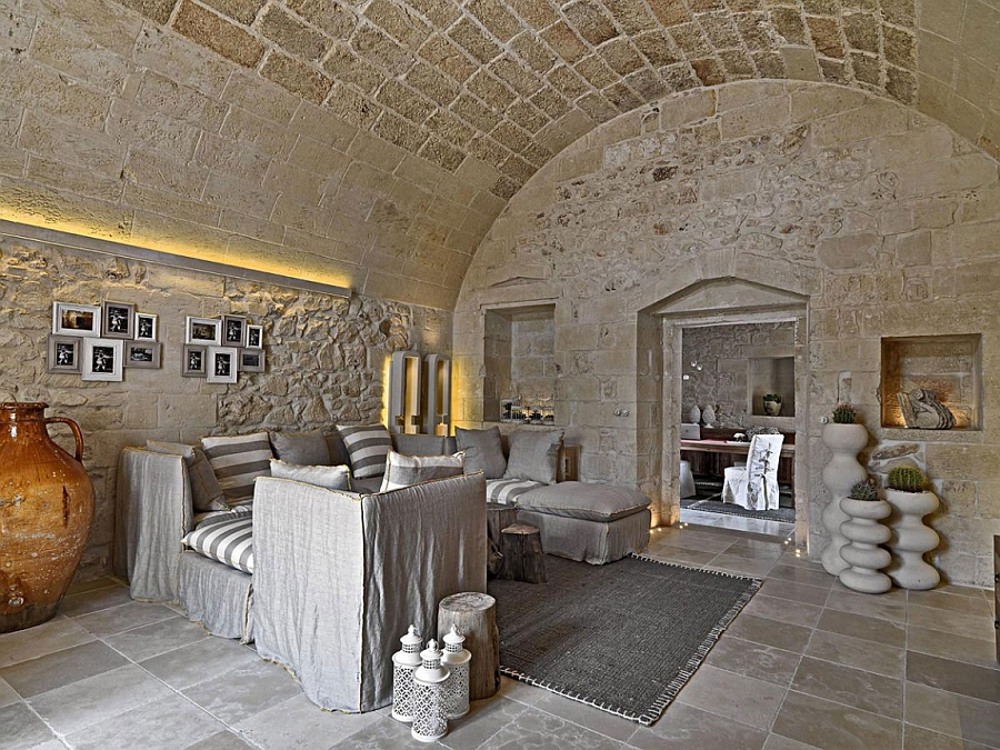 Fabulous rooms of the Hotel transport you back into 18th Century Italy!