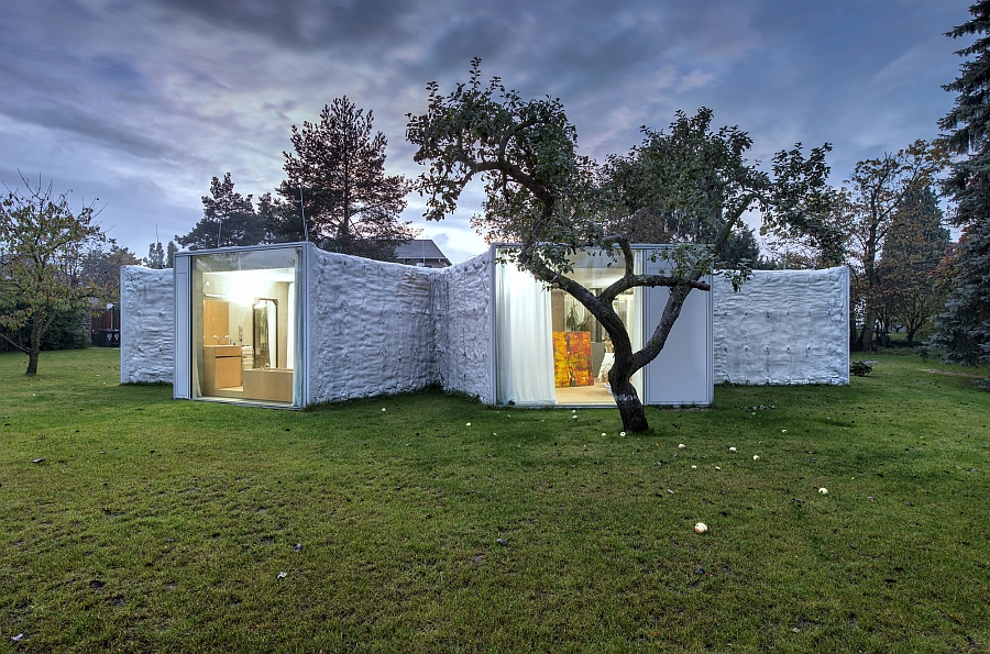 Landscape outside defines the shape and orientation of the various wings of the Chameleon House