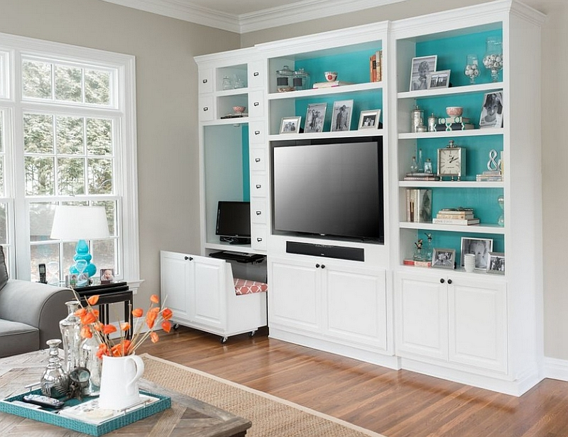 Stylish and versatile corner workspace in the living room