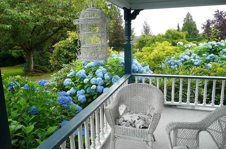 An empty birdcage in the porch makes a grand impression [From: Michelle]
