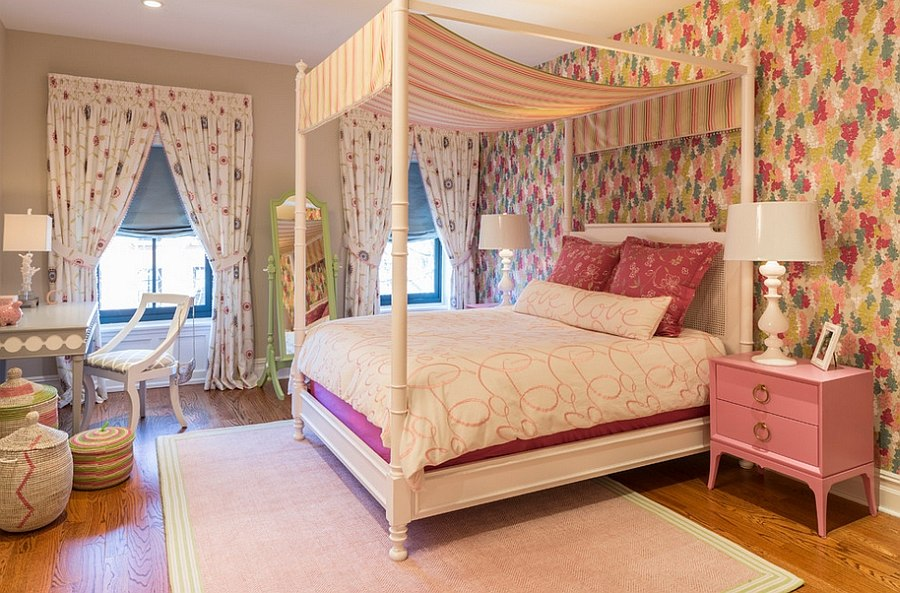 Beautiful girls' bedroom with the romance of pink!