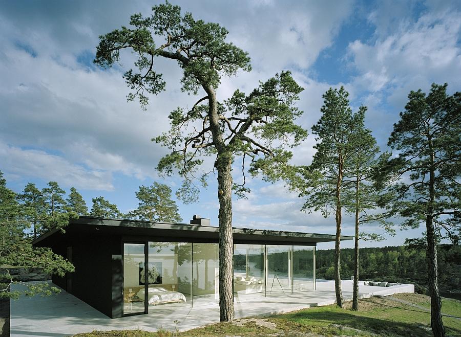 Brilliant contemporary lakefront home in Sweden
