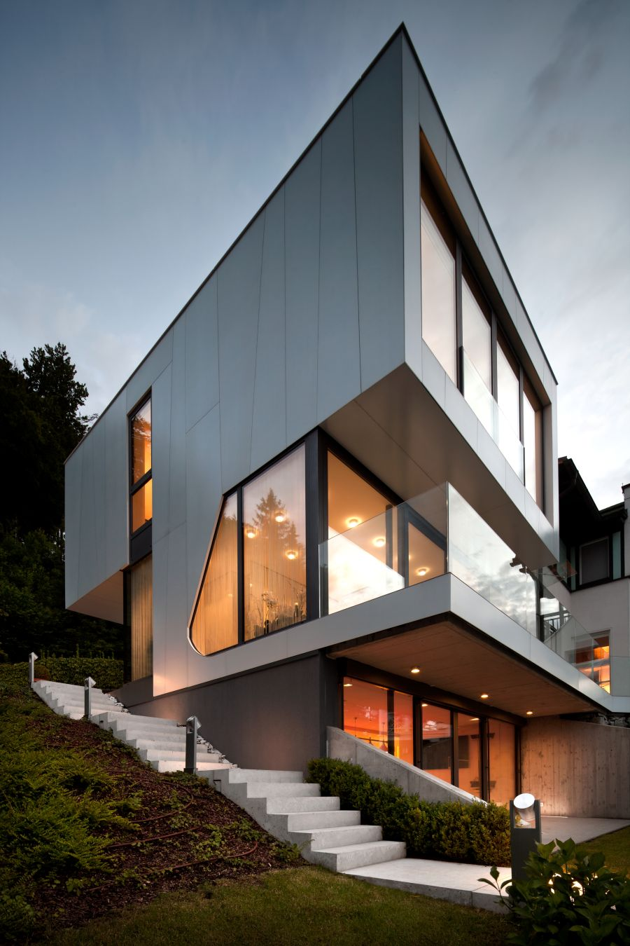 Lakeside House in Austria with minimalist style