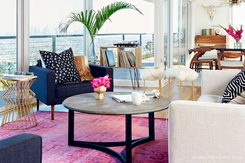 Shades of violet in a modern living room