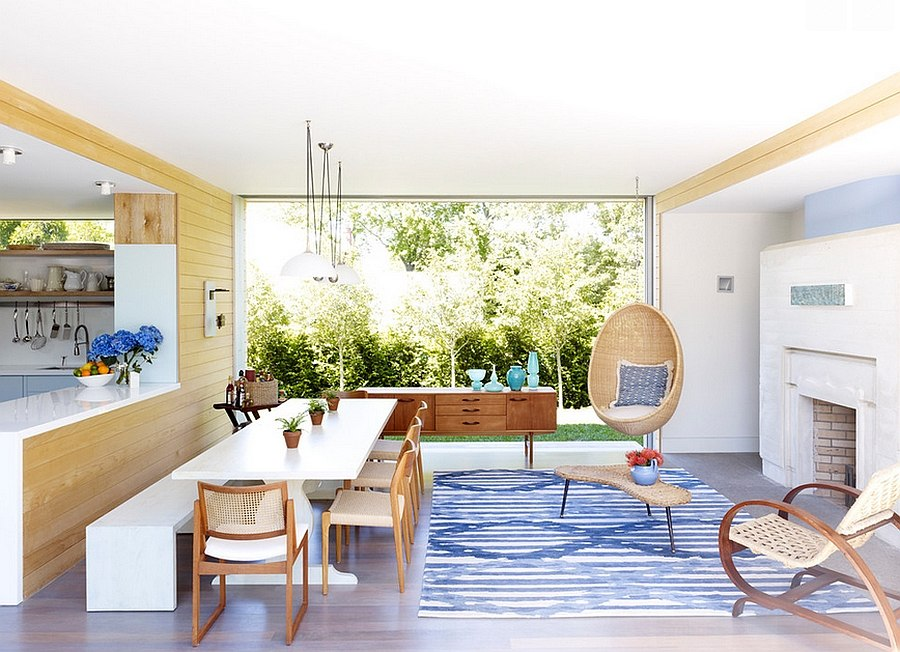 Smart combination of the casual family room and dining space