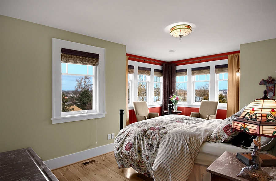 Use red to highlight the window nook [Design: Goforth Gill Architects]