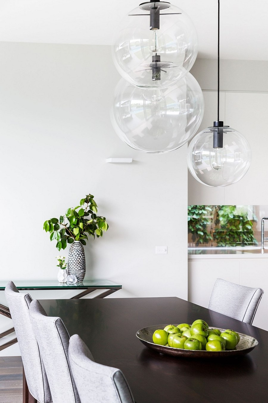 Adds pops of green to the kitchen in a natural fashion