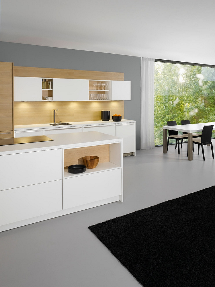Dashing combination of closed and open shelves in the kitchen