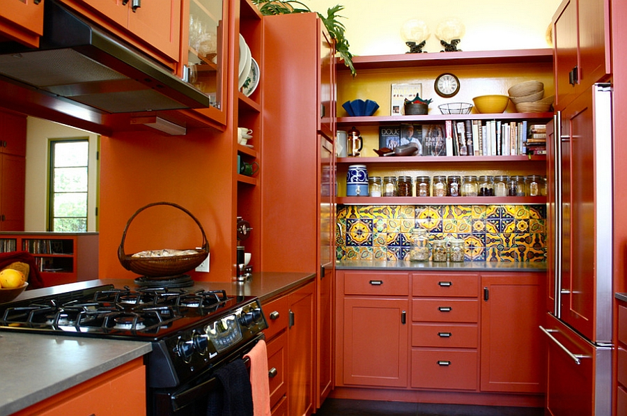 Small Mediterranean kitchen idea