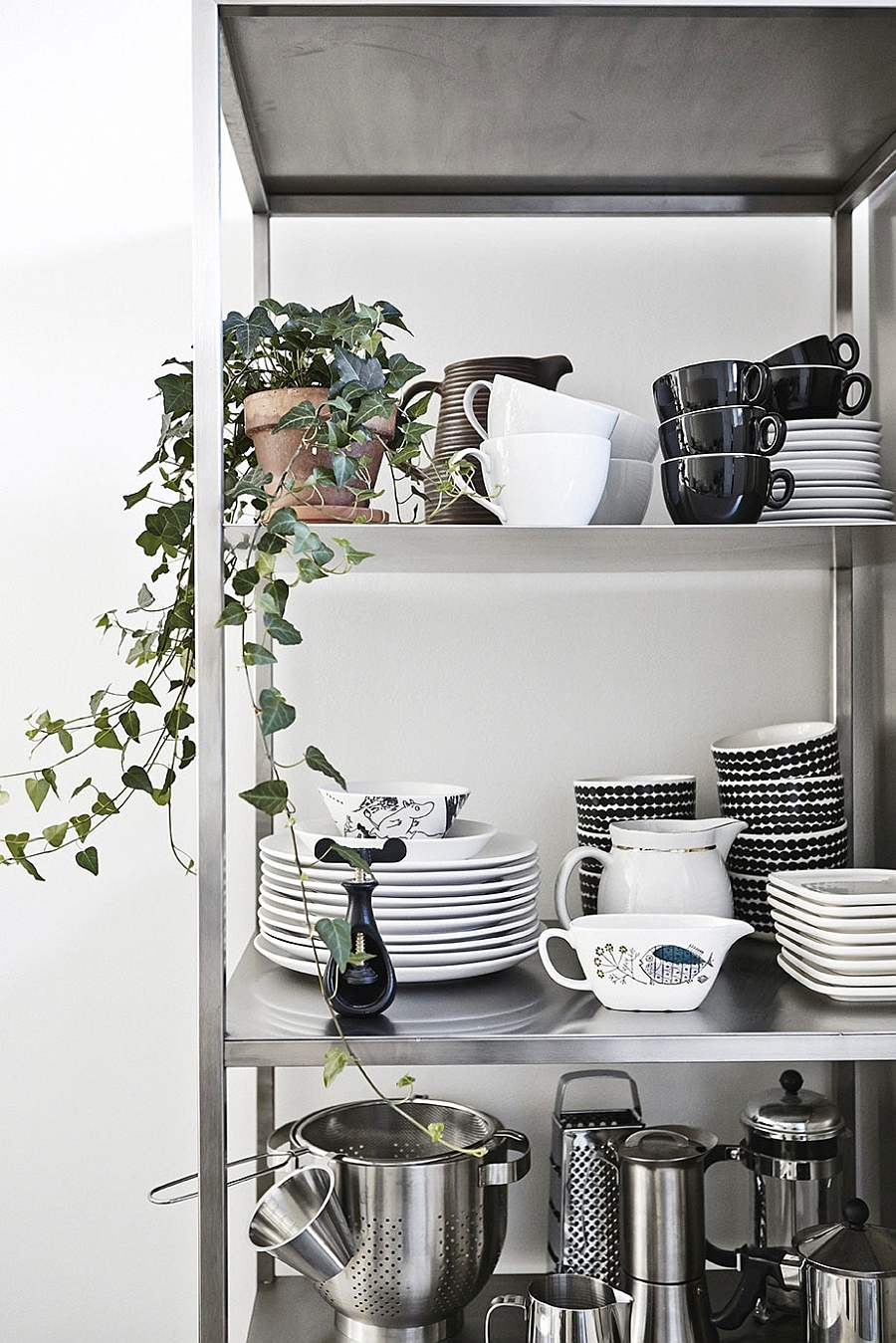 Using kitchenware to create a wonderful display
