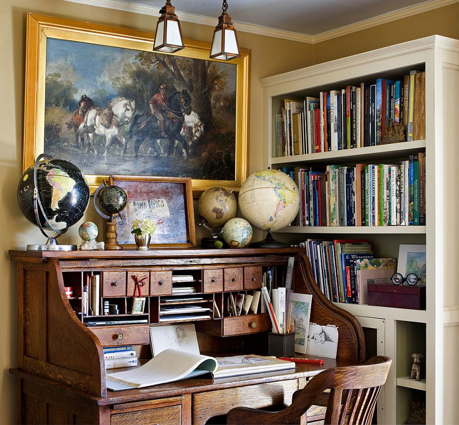 Decorate the traditional work desk elegantly