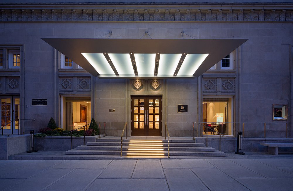 Entry to the lobby leading to the stunning Ritz-Carlton Residence