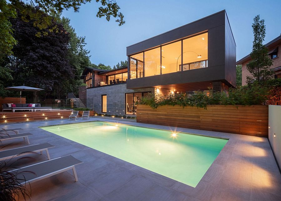 Fabulous outdoor landscape extends the living space with its cool design