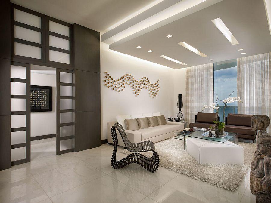 False ceiling adds unassuming beauty to the living room [Design: Guimar Urbina - KIS Interior Design]