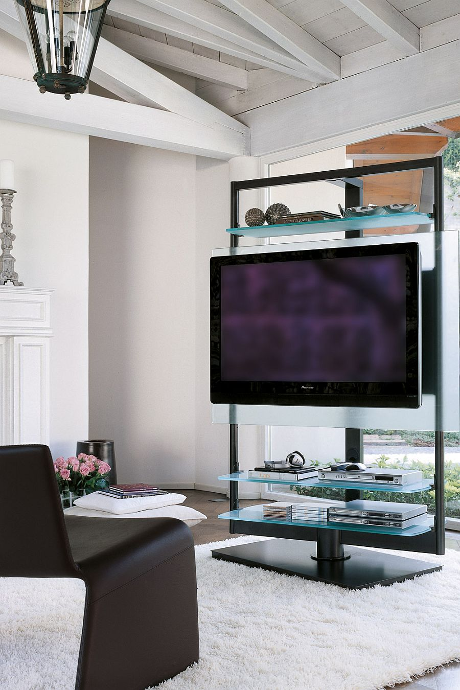 Glass brings visual lightness to the TV Stand