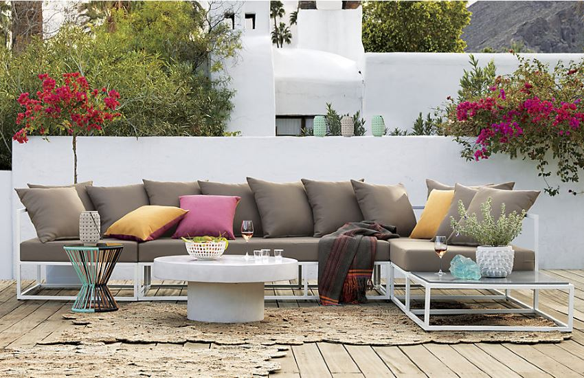 Outdoor lounge seating from CB2