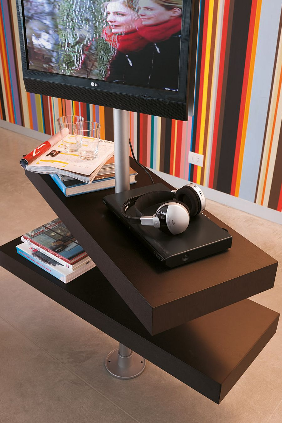 Versatile compositions of the Domino TV stand