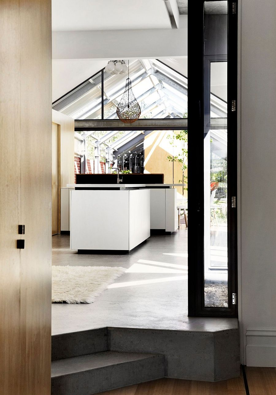 Brilliant kitchen design that is visually connected with the outdoors