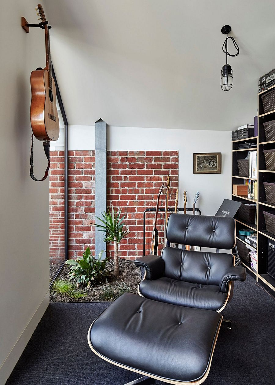 Cool sitting area with the Eames Lounger