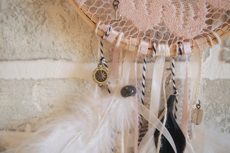 Craft your own dreamcatcher at home