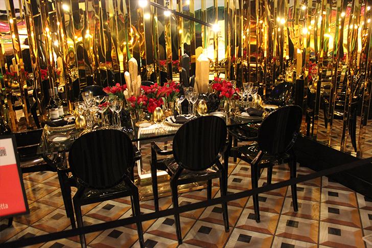 Glamorous Gold Dinner Table
