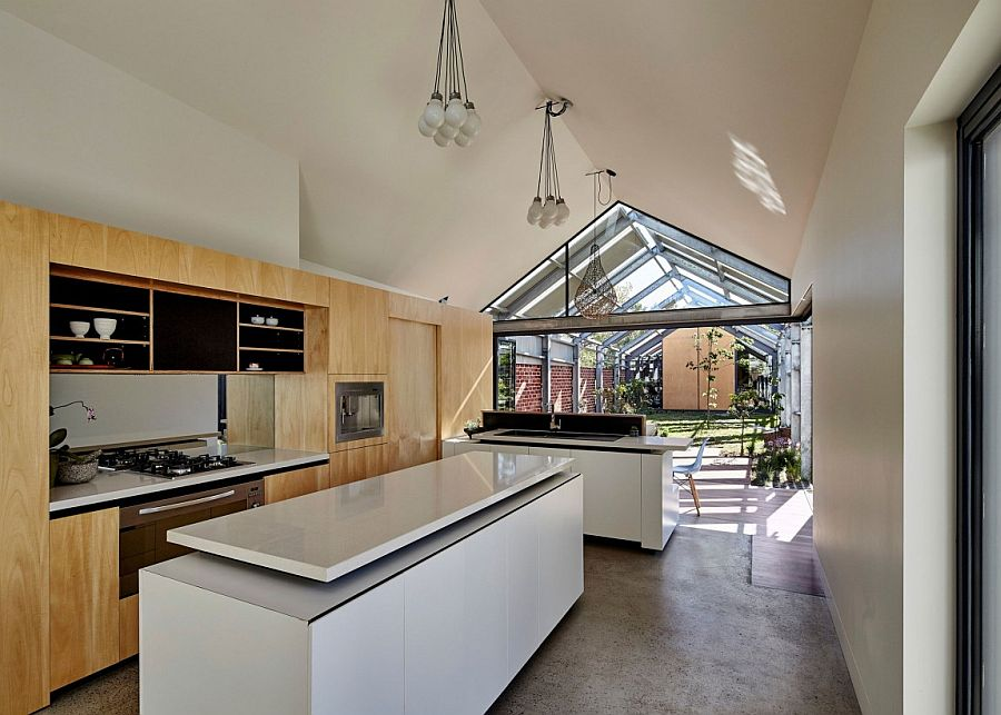 Smart kitchen design that extends into the courtyard outside