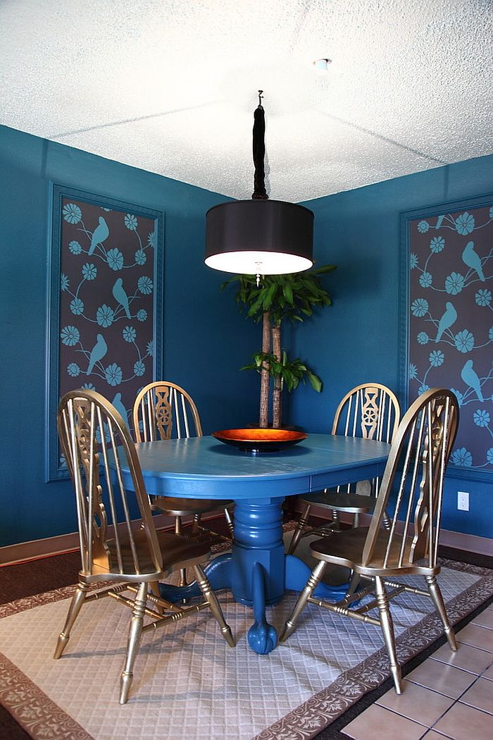 An exquisite way of adding wallpaper to the dining room [From: Houzz]