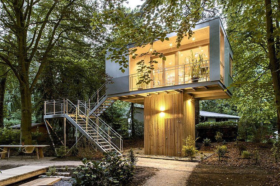 Innovative Urban Treehouse by Baumraum in Berlin