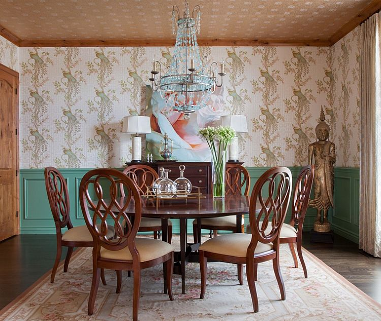 Smart color scheme in the traditional dining room [Design: Andrea Schumacher Interiors]