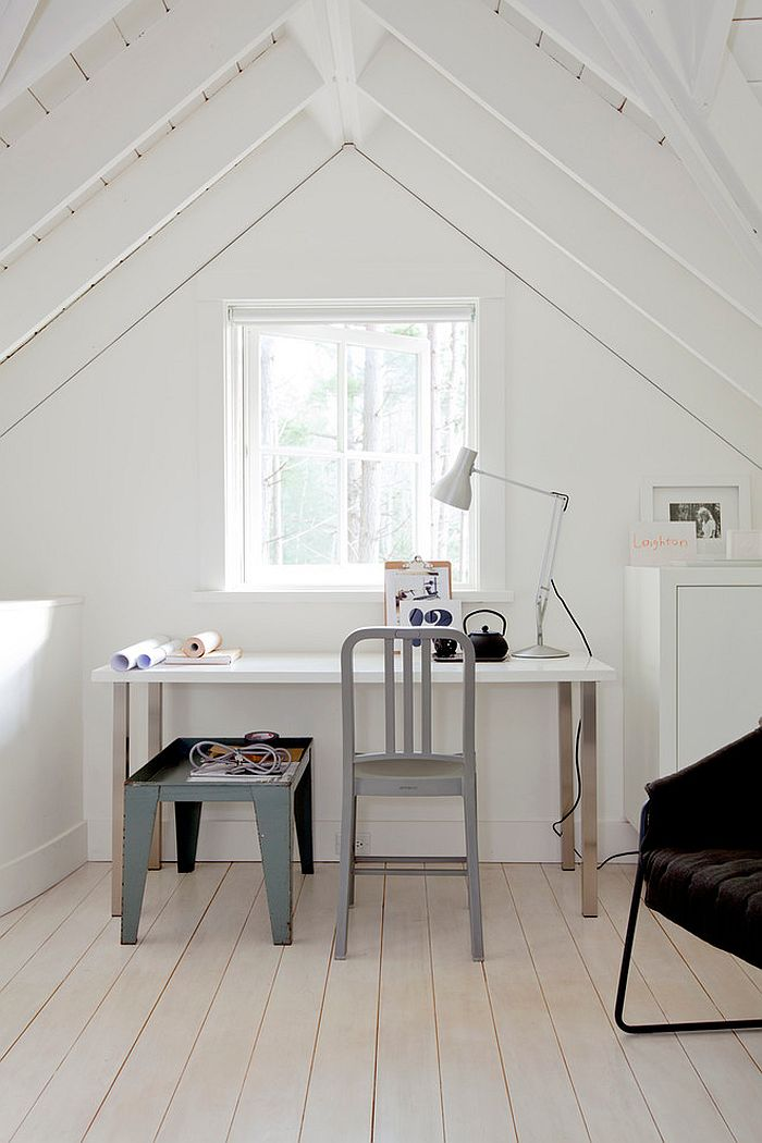 Attic home office with a relaxed Scandinavian style