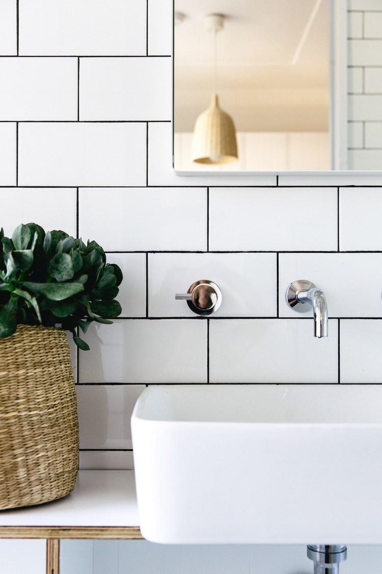 Earthy details in a bathroom by C+M Studio