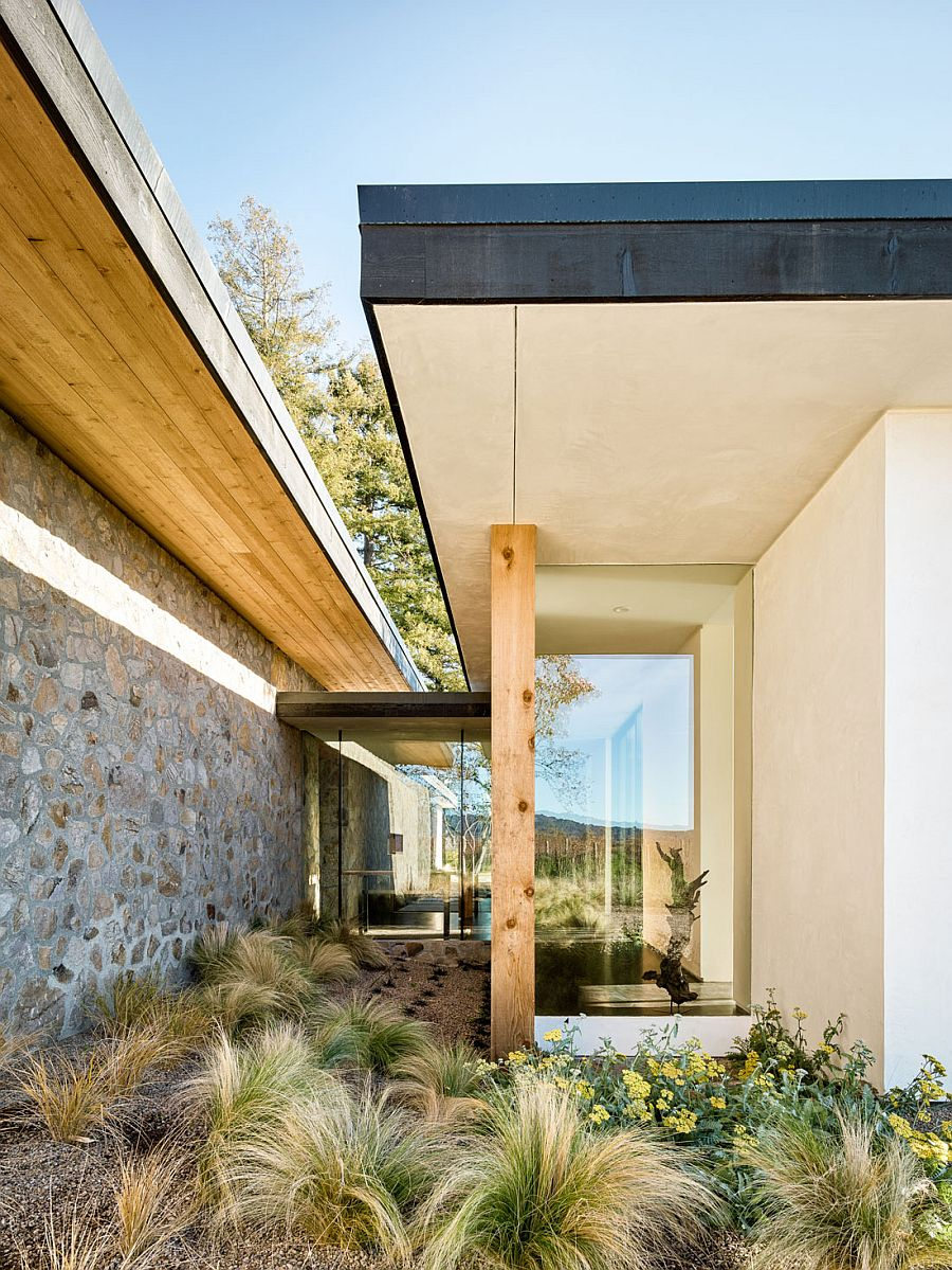 Glass, stone and wood create the gorgeous modern home in California