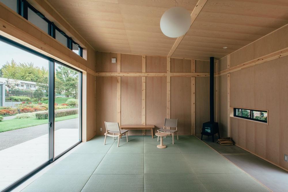 Morrison hut interior