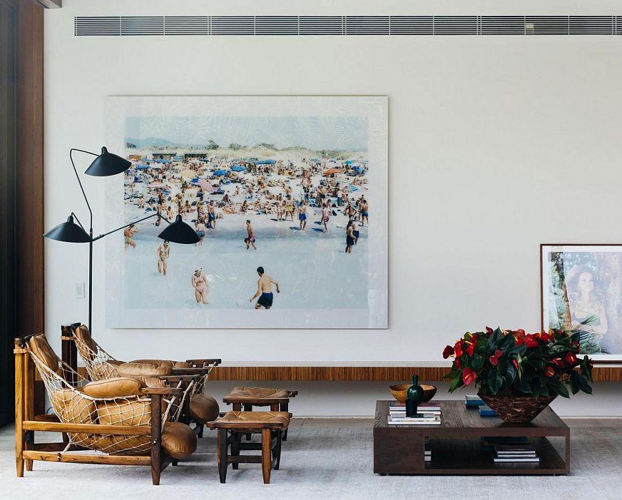 Contemporart decor and framed photographs inside House RT