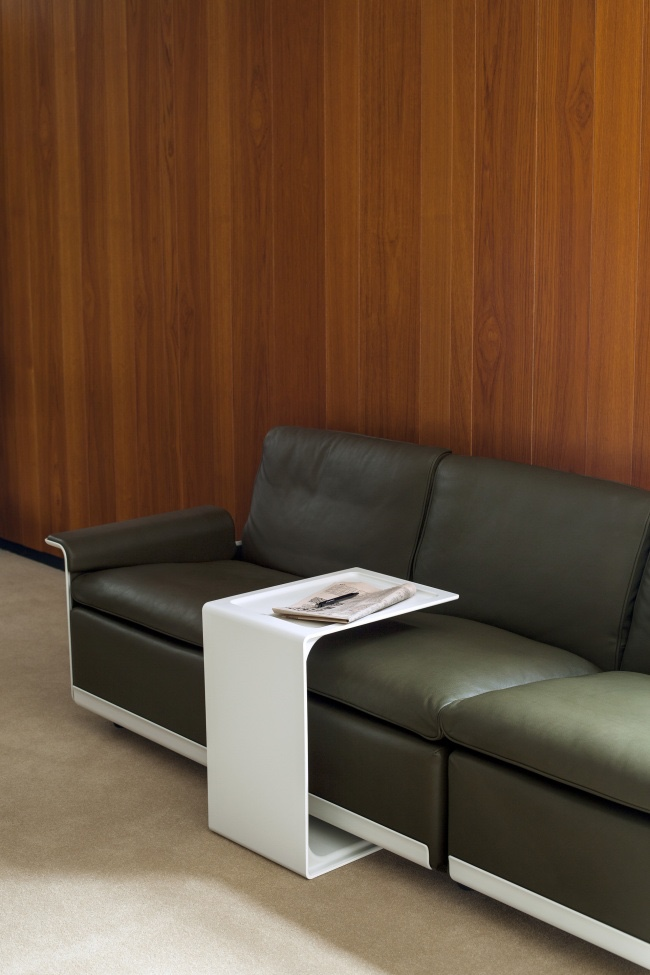 621 Side Table over 620 Sofa