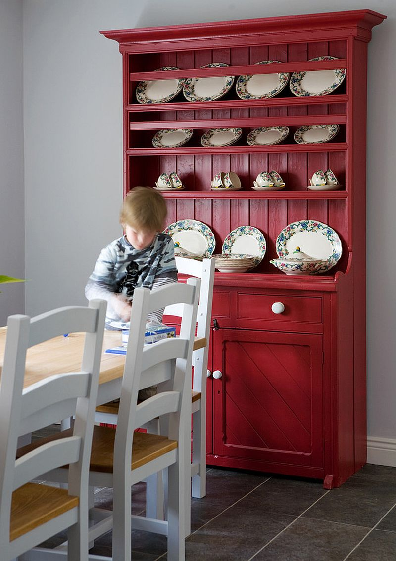 Hutch in bright red adds color and class to the transitional kitchen [Design: Glenvale Kitchens]