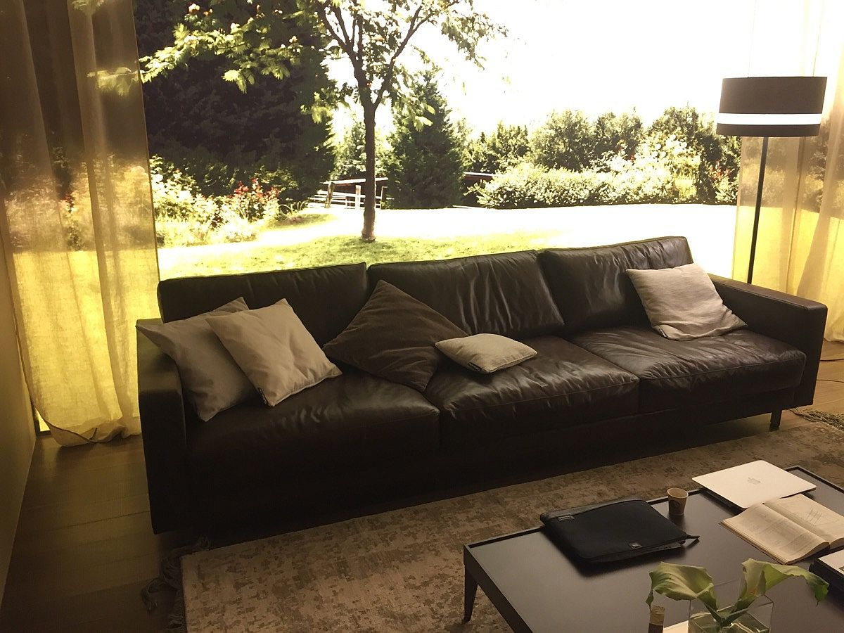 Comfy leather couch from Chateau d'Ax – Salone del Mobile 2016