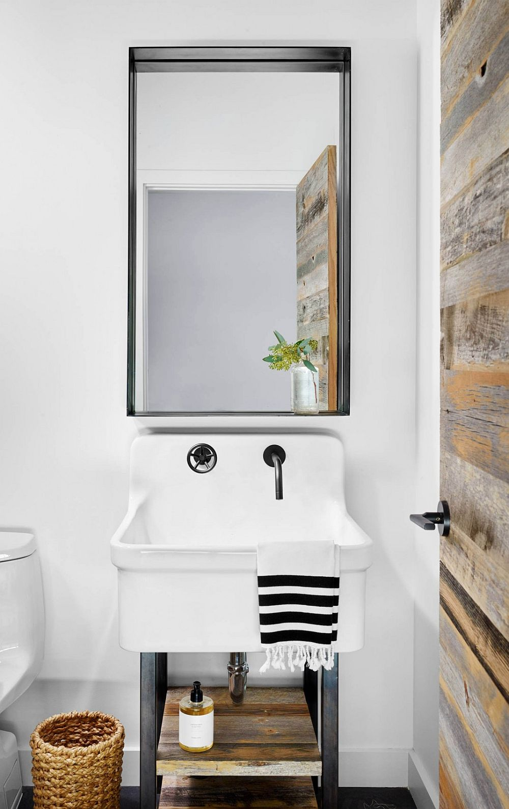 Fabulous use of reclaimed wood for the inviting modern bathroom