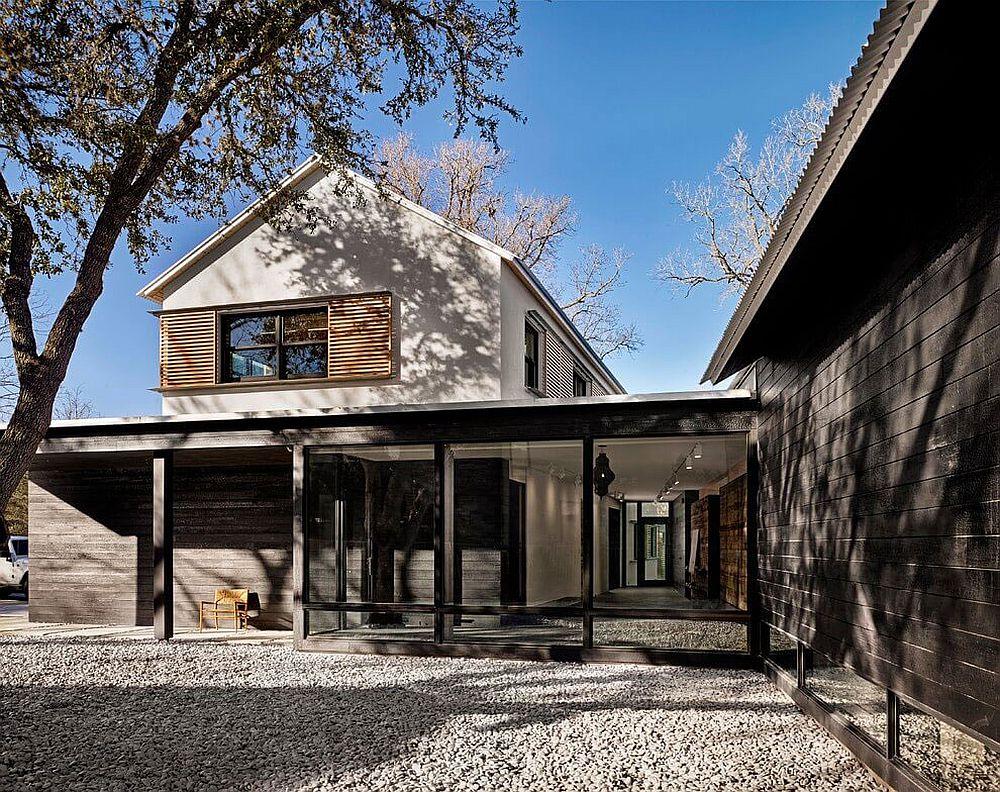 Prefab modern home in Austin, Texas