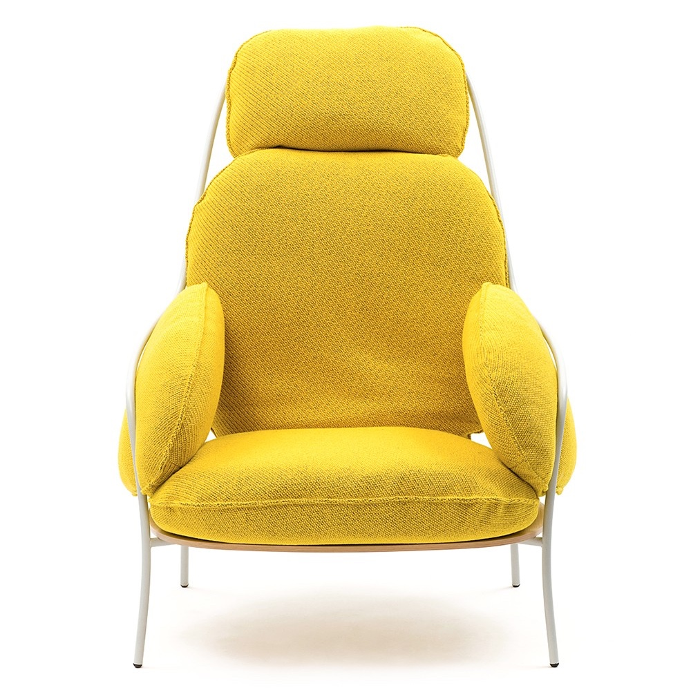 With its brilliant yellow cushions, tubular metal frame and wood seat, the somewhat eccentric Paffuta chair, designed by Luca Nichetto, is shaped to support different parts of the body. Image © 2016 Discipline.