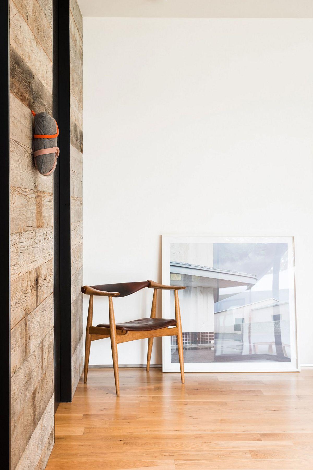 Timeless decor pieces bring class to the spacious Texas home