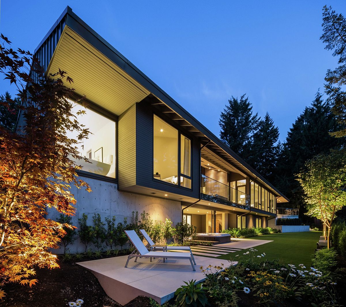 Vancouver Living: Vancouver Home By Randy Bens Architect Extends Its Living
