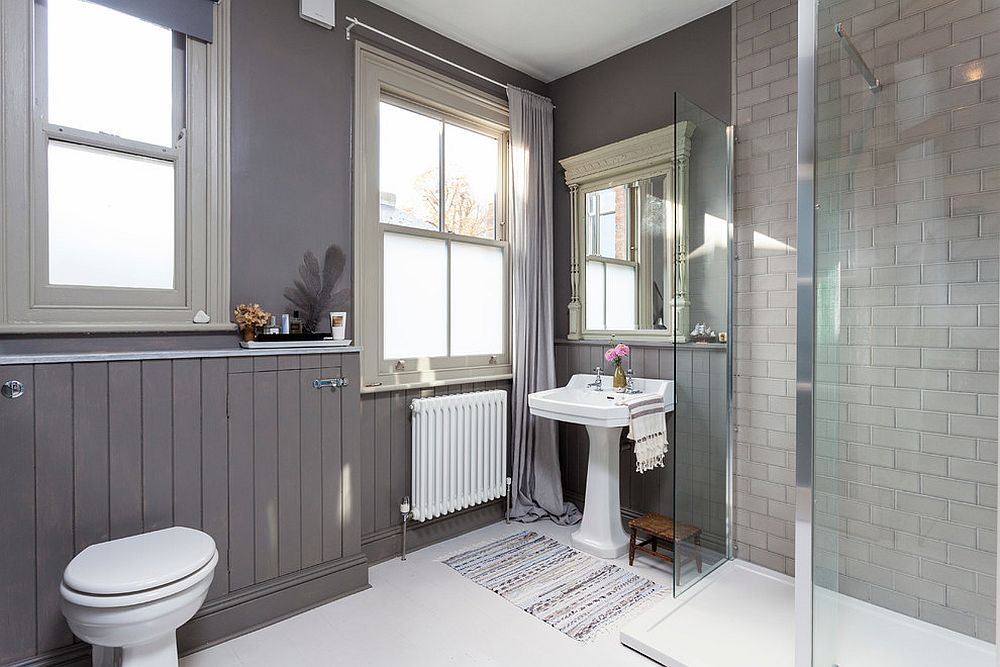 Refined bathroom in gray with Scandinavian style